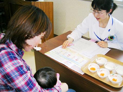 乳児健診時の離乳食指導