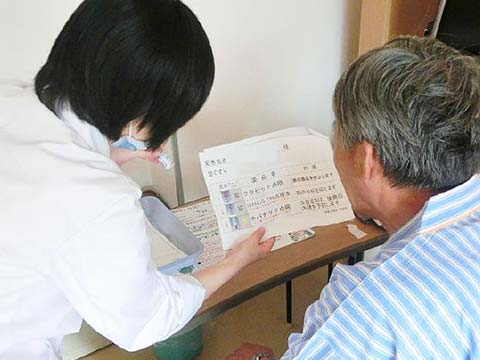 病棟での服薬指導の様子
